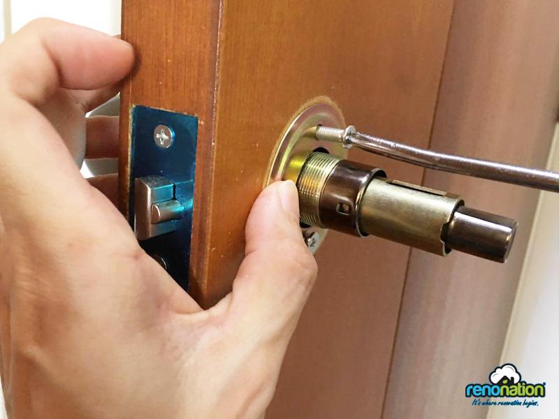 Attaching screws to door knob sides